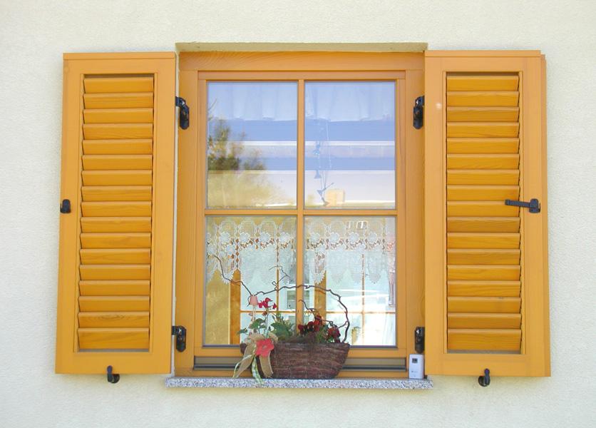 Fenster tischlerei n pel t ren und fensterbau for Wohnraumfenster kunststoff